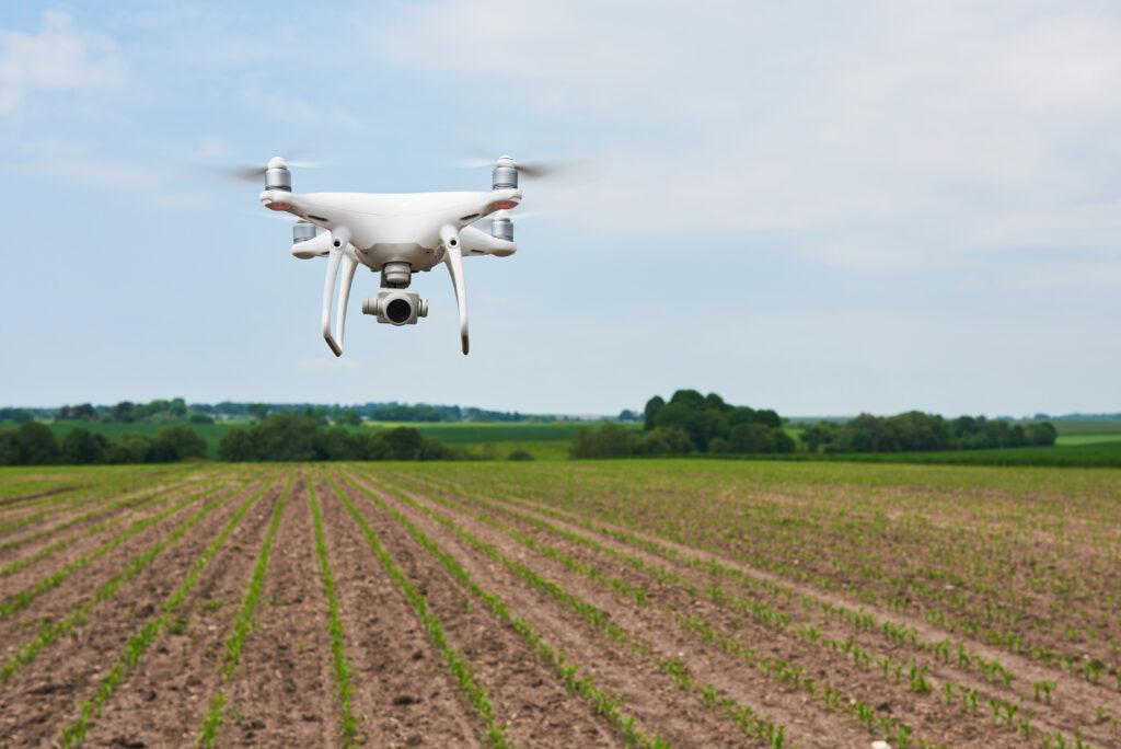 drone voando agricultura digital da embrapii
